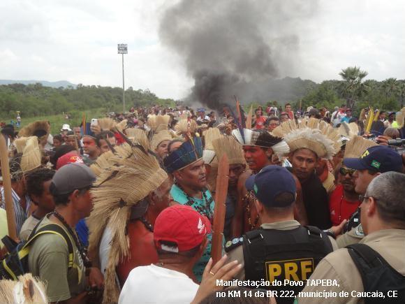 Manifestação do Povo TAPEBA, no KM 14 da BR 222, município de Caucaia, Ceará