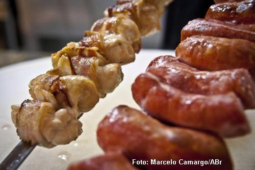 Dieta rica em proteínas animais aumentaria risco de diabetes tipo 2, a mais comum