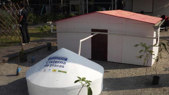Modelo da cisterna de placa