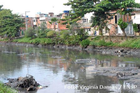 O saneamento básico não é uma prioridade brasileira. Foto de Virginia Damas / ENSP