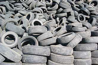 lixo: pneus