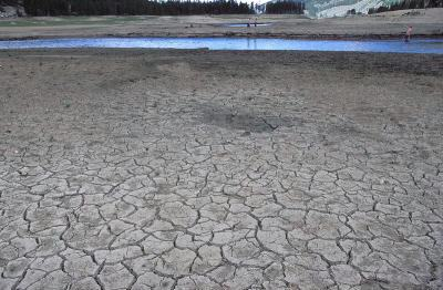 Reservas de água potável podem se esgotar em menos de 20 anos, alerta um relatório publicado no Fórum Econômico Mundial, na Suíça