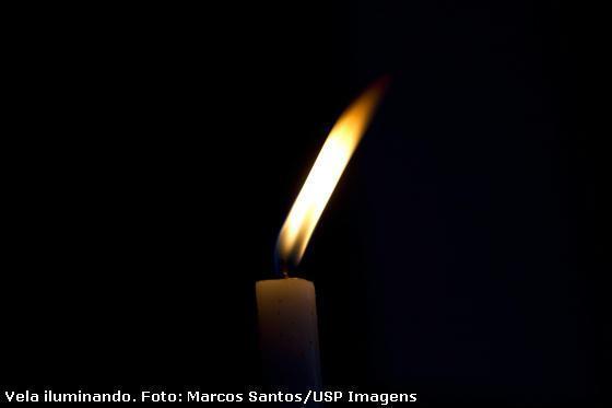 vela iluminando