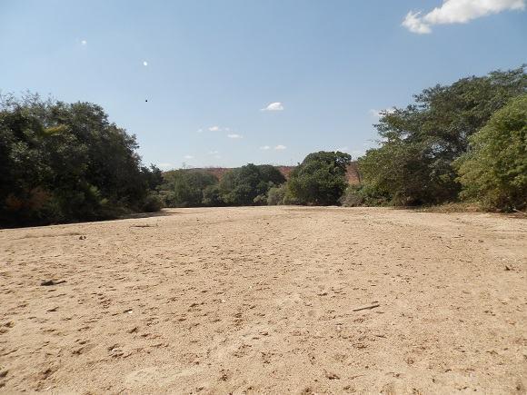 O rio Gorutuba, como tantos outros, também secou!