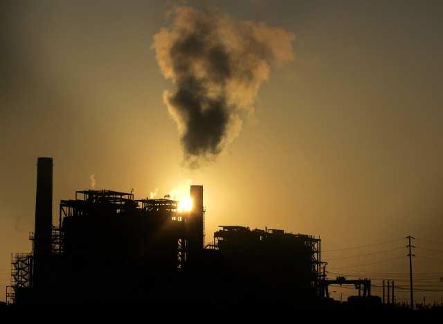 Termelérica a carvão. (AP Photo/Chris Carlson)