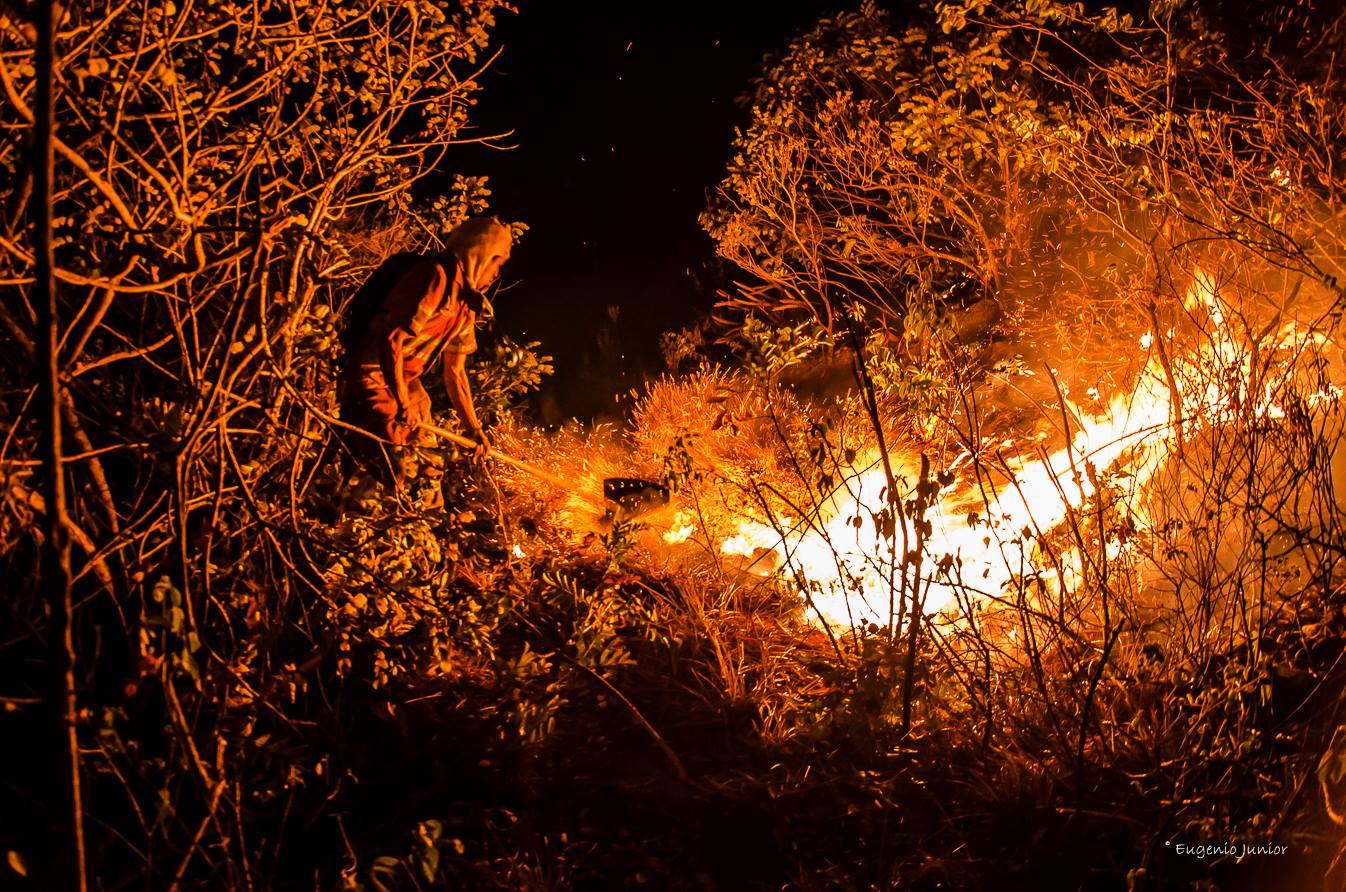 Figura 2 – Incêndio Florestal na Serra de Jacobina – 2017. Foto: Eugênio Junior.