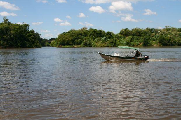 Pesquisa analisa a qualidade da água do Rio Taquari. Foto: Tuane Eggers