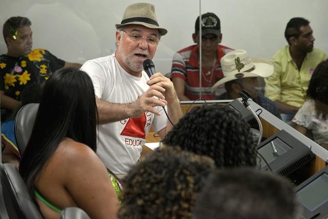 o filósofo e educador frei Gilvander Moreira, da Comissão Pastoral da Terra-CPT/MG