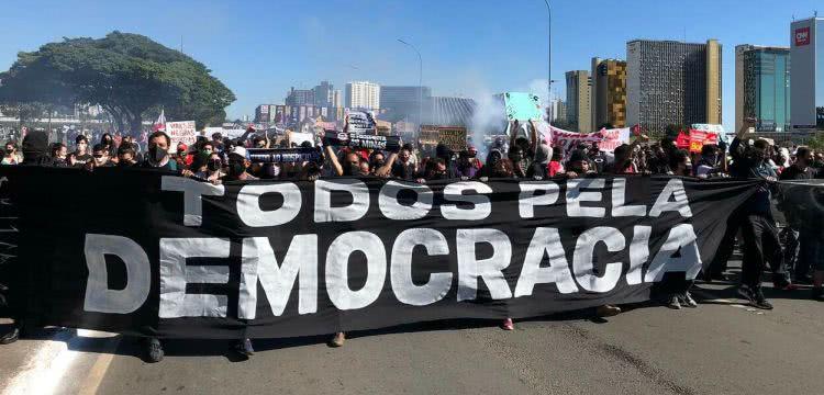 todos pela democracia