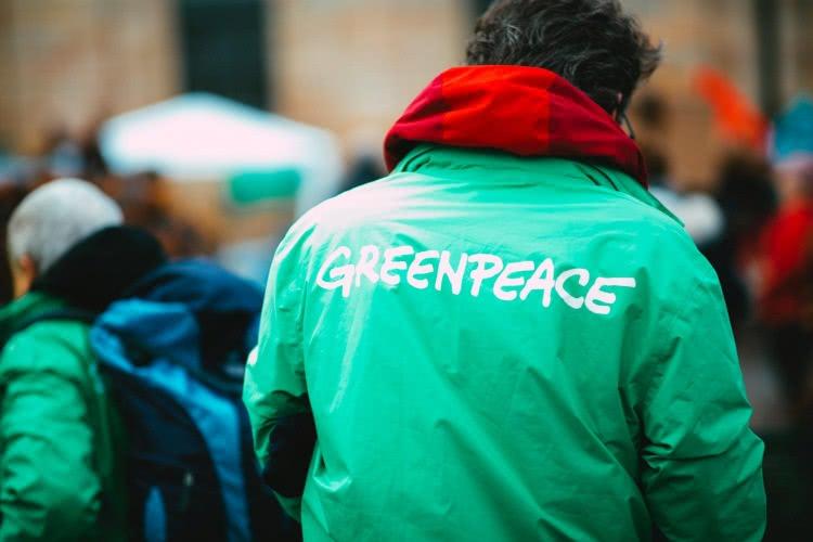 201204c Greenpeace